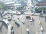 Gerbang Tol Cileunyi Arah Bandung Masih Padat Lancar