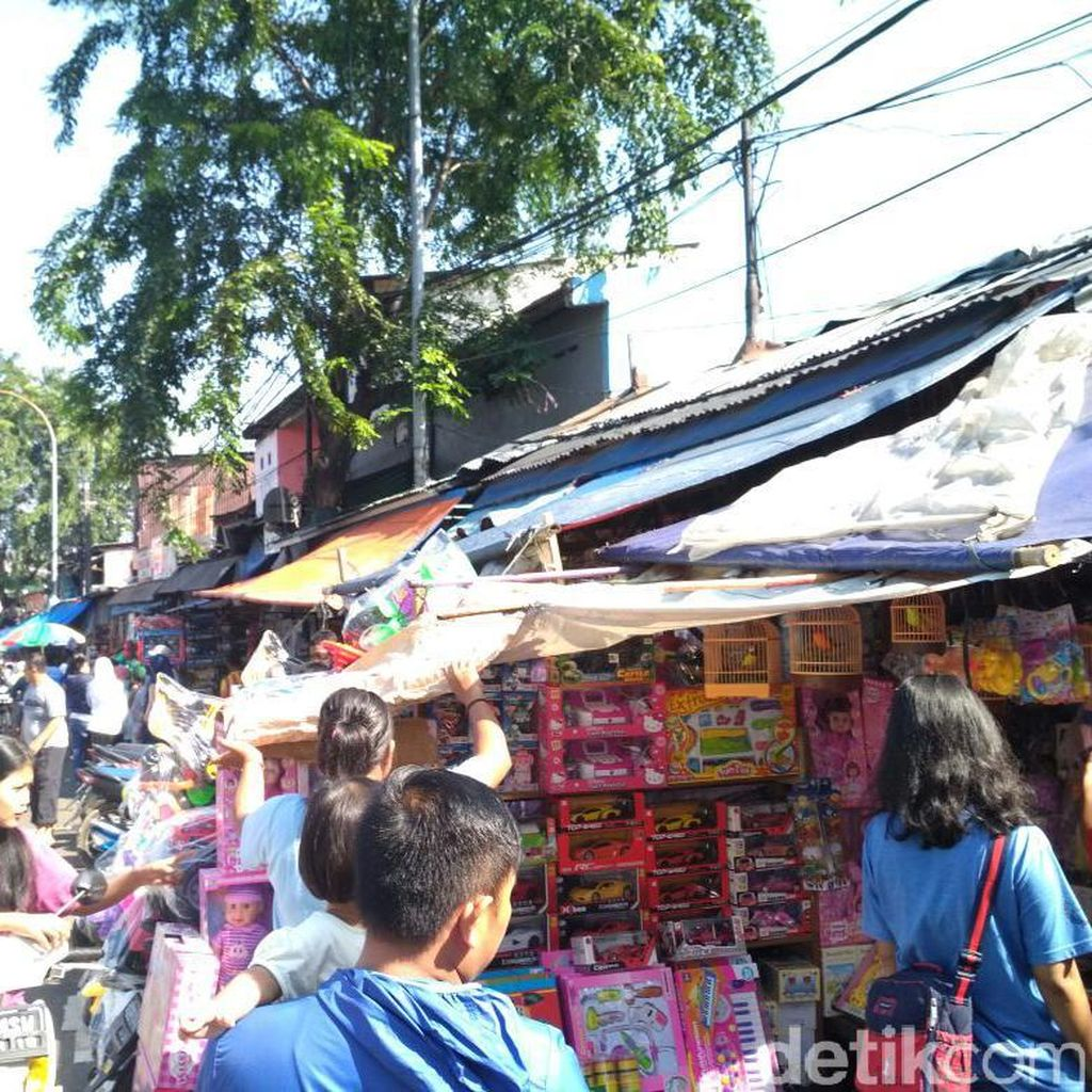 Libur Lebaran, Pedagang Pasar Gembrong Raup Omzet Belasan Juta