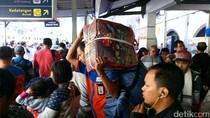KAI Prediksi Puncak Arus Balik di Stasiun Pasar Senen Pada H+5