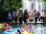 Libur Lebaran, Wapres JK Jalan-jalan di Waterboom Bugis Waterpark