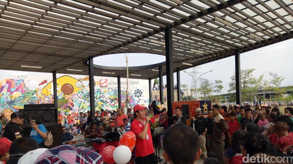 Massa Rayakan Ultah Jokowi-Ahok di Kalijodo