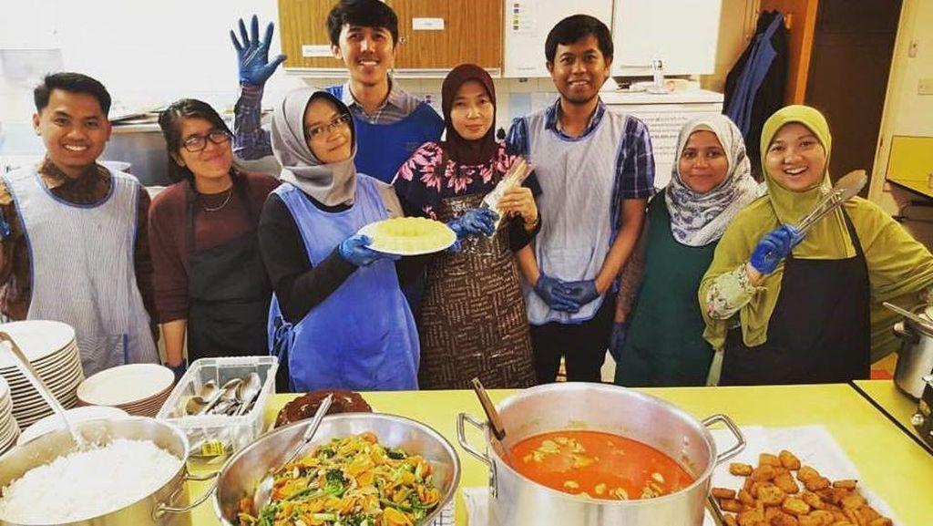 Salut! Begini Aksi Muslim Indonesia di Inggris Rayakan Lebaran