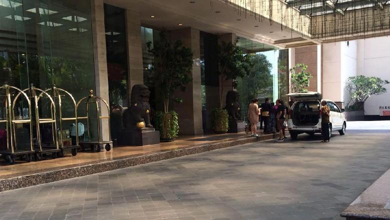 Manajemen Hotel Le Grandeur Umpamakan Larangan Bajaj dengan Durian