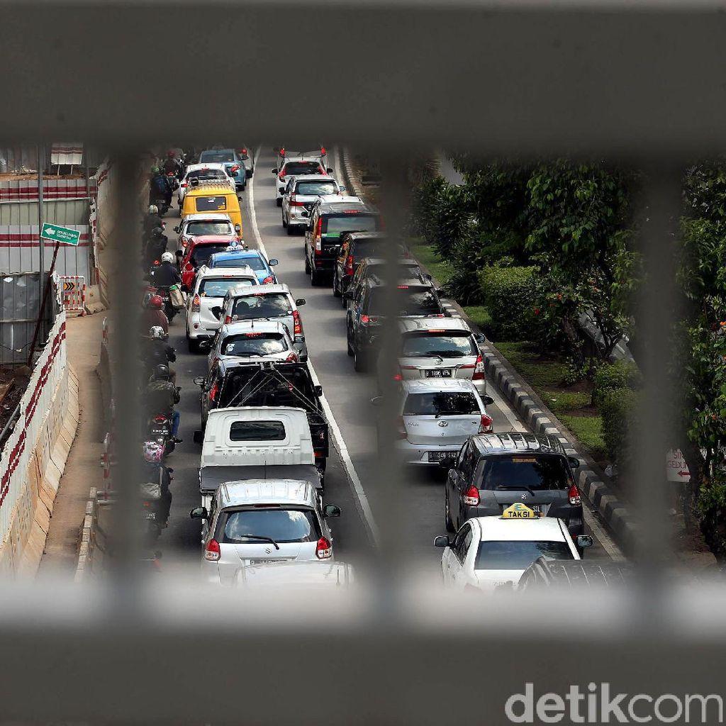 Bantu Urai Kemacetan Jakarta, Polisi akan Rekrut Pak Ogah