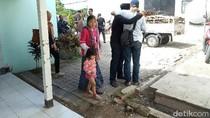 Jenazah Warga Banyuwangi Tertembak Pistol Polisi Dimakamkan