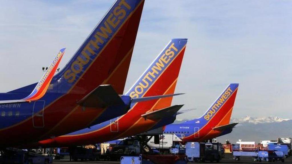 Terciduk, Pasangan Traveler Kedapatan Bercinta di Pesawat