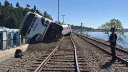 Rangkaian Kereta Amtrak Anjlok di AS, Beberapa Penumpang Luka-luka