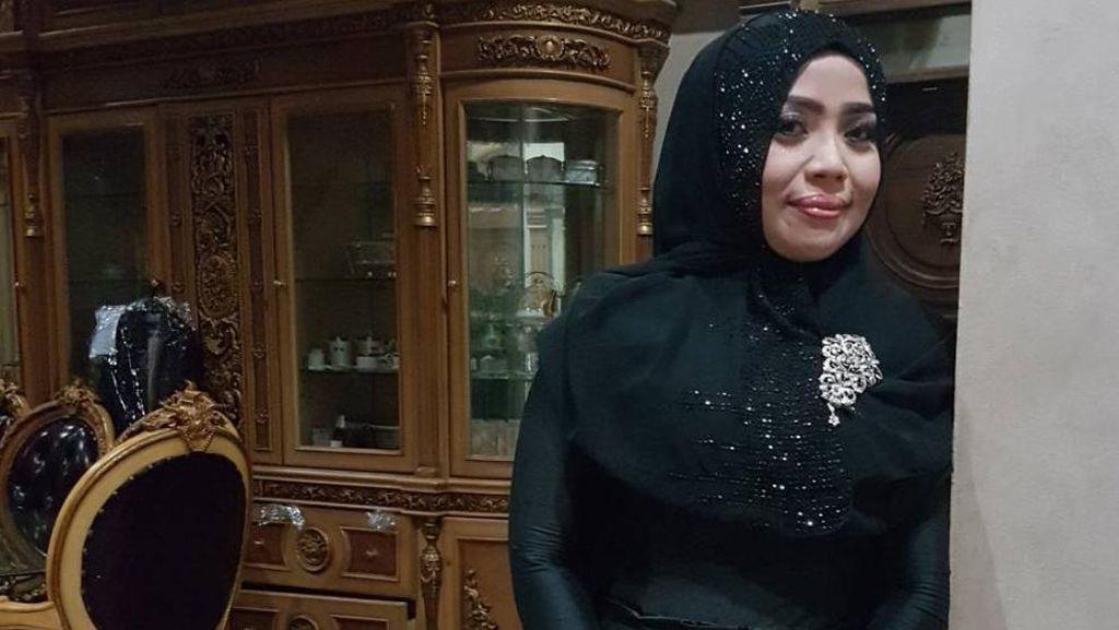 Pernikahan Beda Usia Selebriti, Muzdhalifah akan Gugat Cerai Suami Ketiga