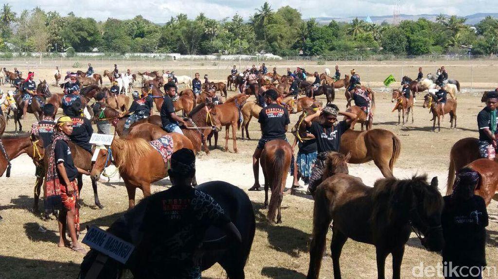 Parade 1.001 Kuda & Festival Tenun Ikat Sumba Akan Dapat Rekor MURI