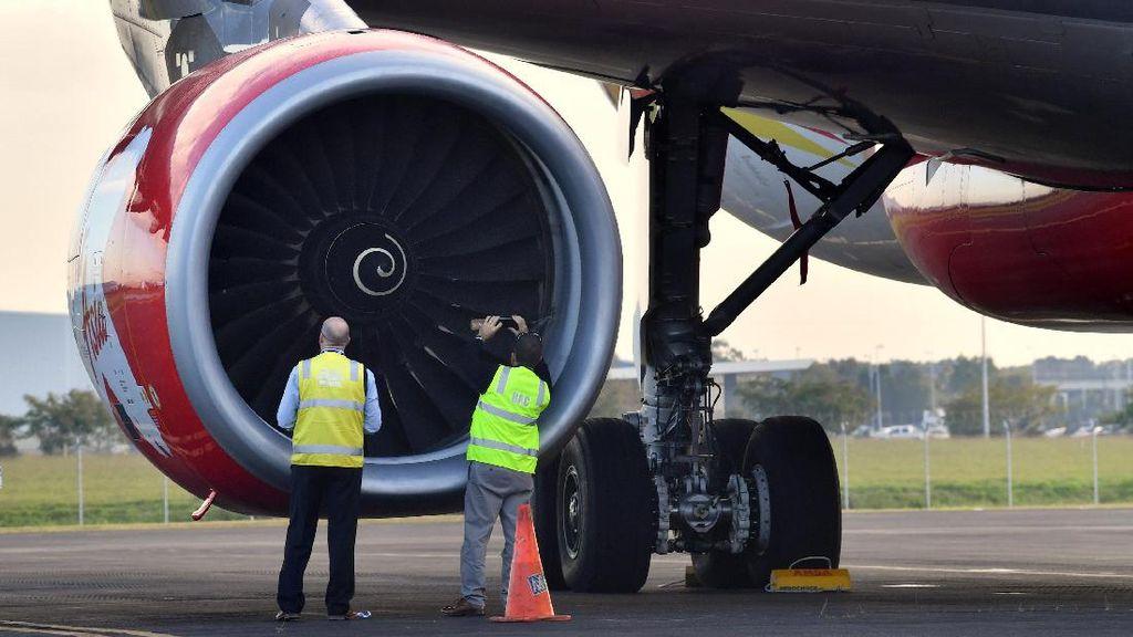 AirAsia Tabrak Burung, Penumpang Lihat Kobaran Api dari Mesin Pesawat
