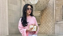 Penampilan Kasual Syahrini di LA Ini Seharga Rumah di Pinggiran Jakarta