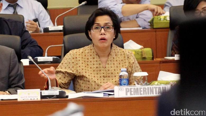 Di DPR, Sri Mulyani Beberkan Risiko Bila Pajak Batal Intip Rekening