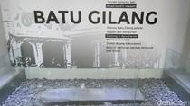 Kejutan dari Cirebon: Batu Penunjuk Kiblat di Keraton Kasepuhan