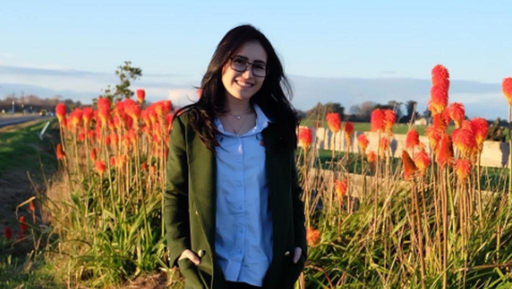 Duh! Ayu Ting Ting Dicerca Sebut Candi Borobudur Ada di Yogyakarta