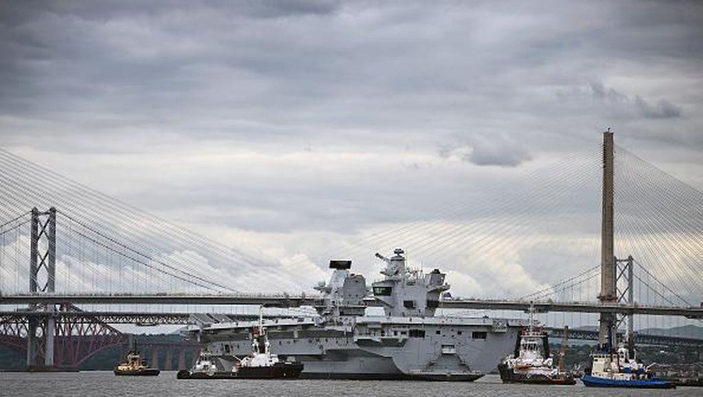 Aksi Kapal Induk Tercanggih Inggris Seharga Rp 53 Triliun