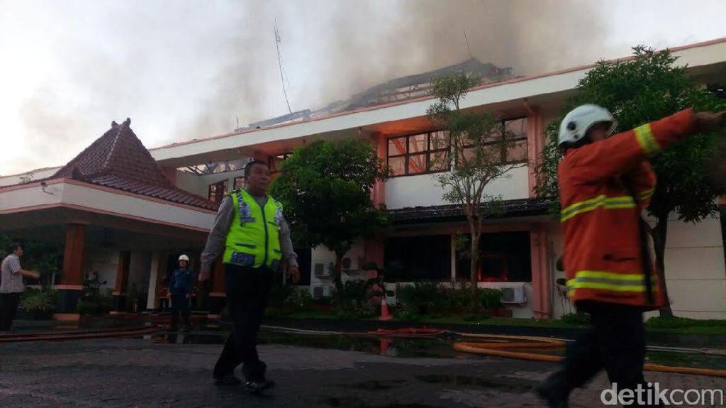 Polisi Belum Temukan Penyebab Terbakarnya Kantor Disperindag Jatim