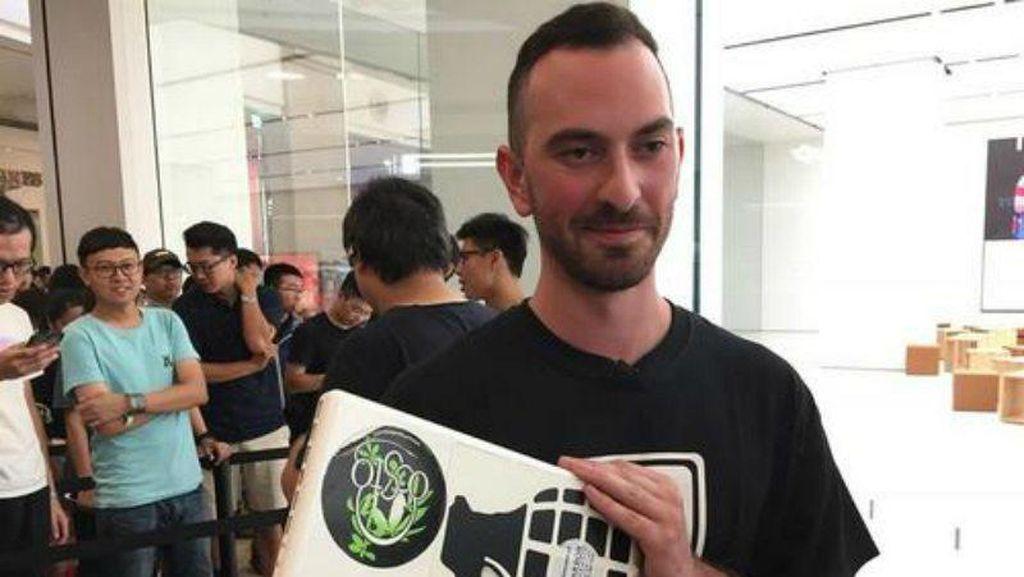 Fanboy Ini Rela Antre 68 Jam demi Pembukaan Apple Store