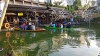 Sensasi Beda Wisata Kuliner di Pasar Apung, Batu