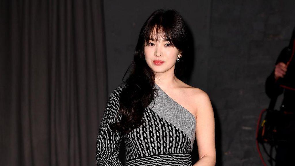 Rahasia Cantik Song Hye Kyo, Gemar Beramal