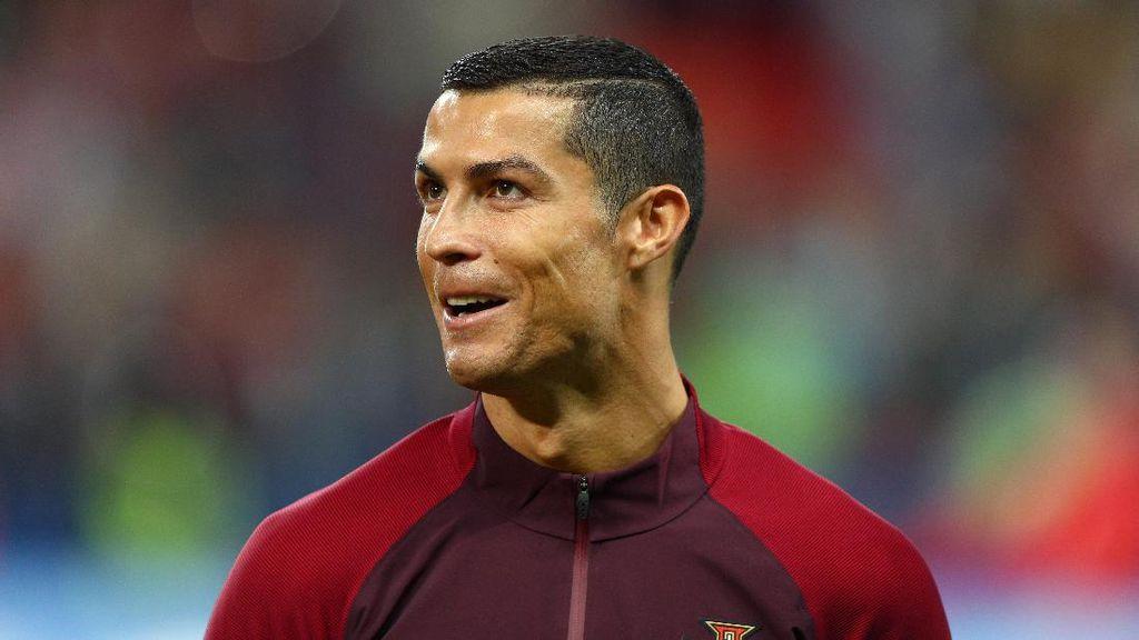 Sekali Posting di Instagram, Ronaldo Dapat Rp 5,3 M