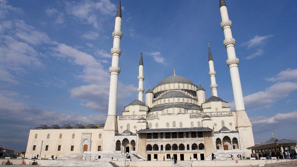 Inilah Masjid Termegah di Turki yang Didatangi oleh Jokowi