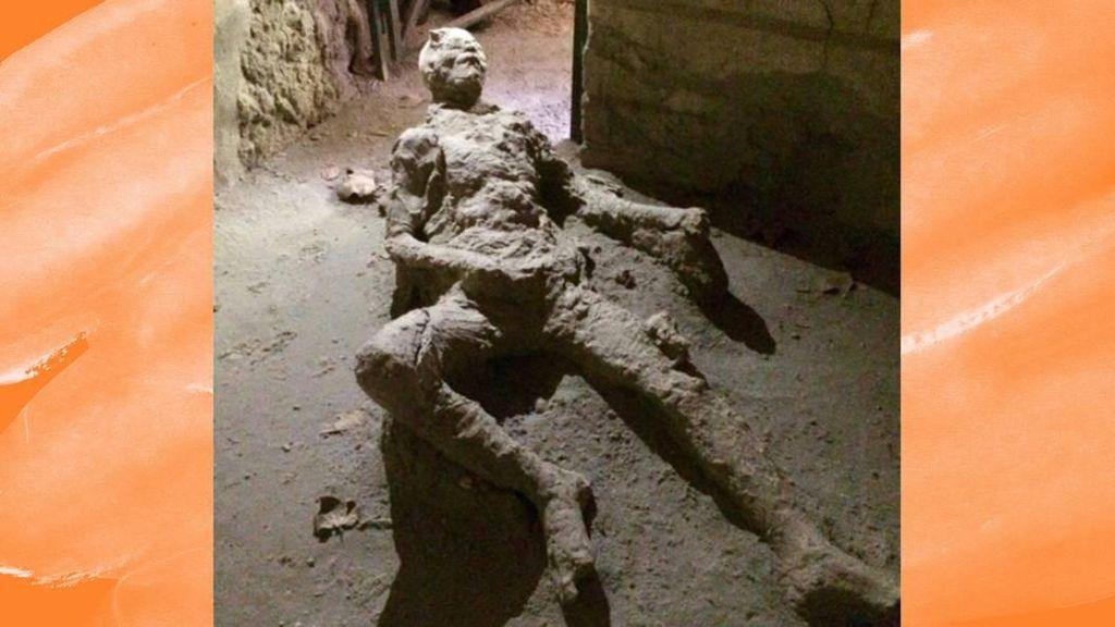 Jadi Perbincangan Netizen, Benarkah Fosil Ini Sedang Masturbasi?