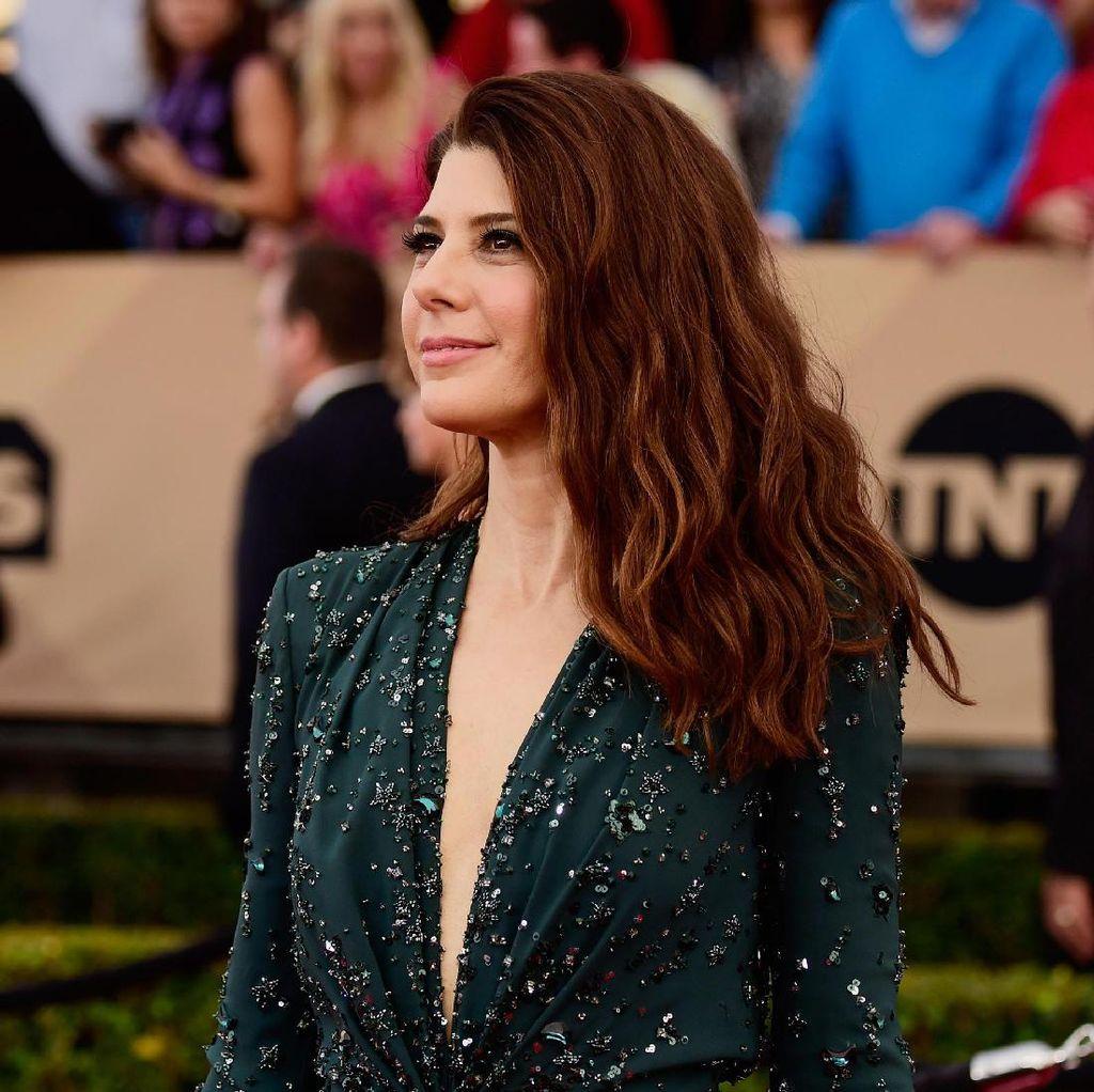 Marisa Tomei Berharap Ada Spin Off Aunt May dan Tony Stark