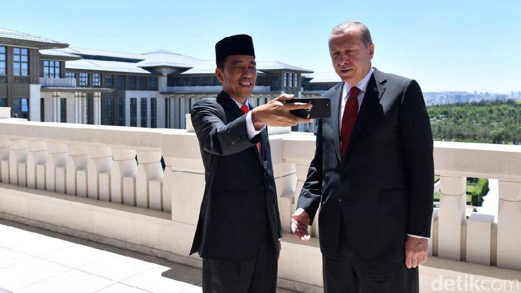 Presiden Jokowi Ngevlog bareng Presiden Erdogan