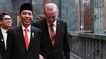 Kemesraan Presiden Jokowi dan Erdogan di Turki
