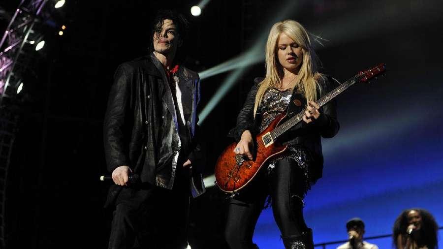 Cantiknya Orianthi, Gitaris Utama Michael Jackson