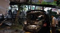 Polisi: Crane Tabrak Mobil di Rest Area KM 97 karena Rem Blong