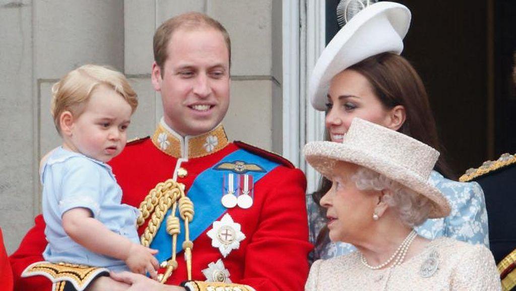 Ini Panggilan Sayang Pangeran George untuk Ratu Elizabeth
