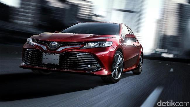 Wajah dan Jeroan Anyar Sedan Toyota Camry, Irit Banget 33,4 Km/Liter