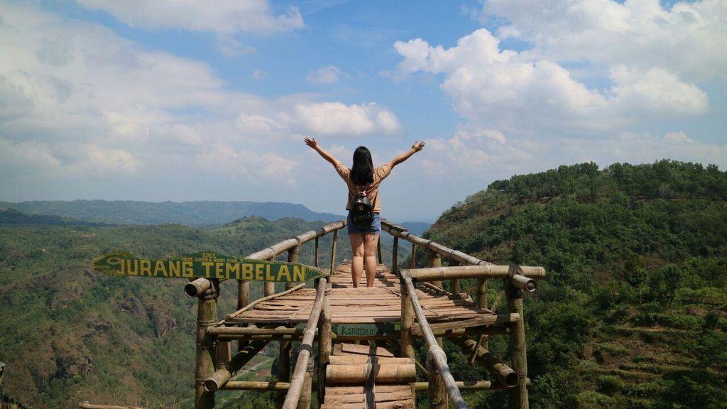 Asyiknya Liburan Memandang Indahnya Alam Indonesia
