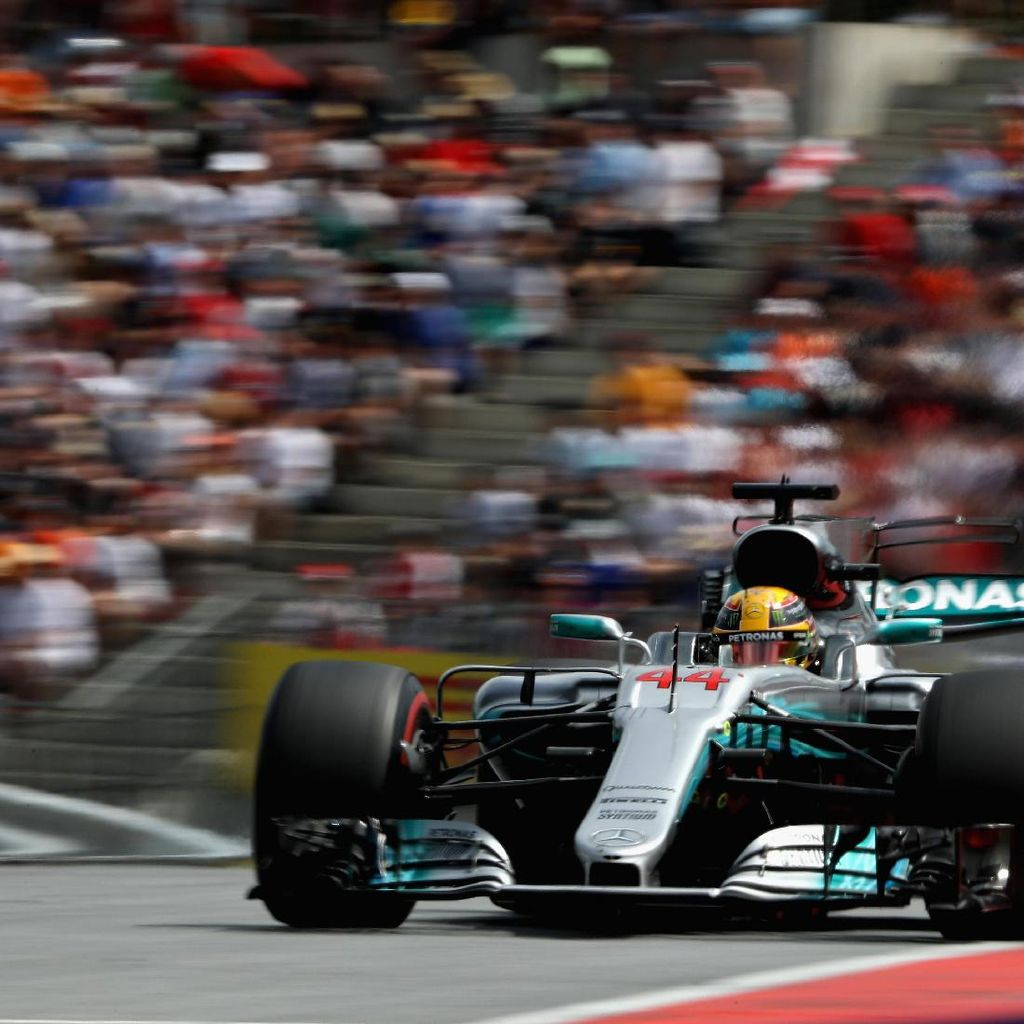 Hamilton Puas Finis Keempat, tapi Juga Kecewa