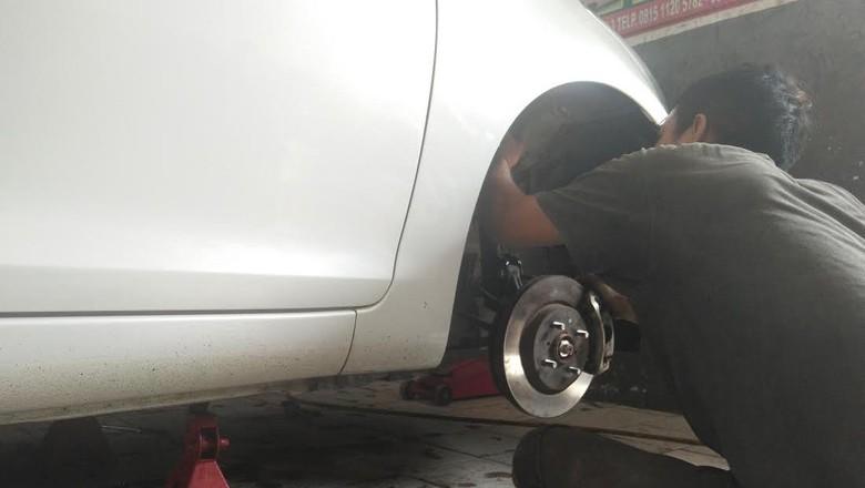 Ini Kesulitan Saat Memperbaiki Sektor Kaki-kaki Mobil