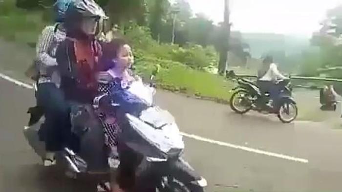 Motor matik sekeluarga rem blong di turunan di Mojokerto, Jawa Tumur. Foto: semarrelawan