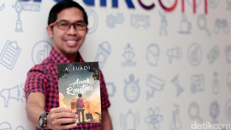 Penantian Panjang Ahmad Fuadi di Novel Anak Rantau