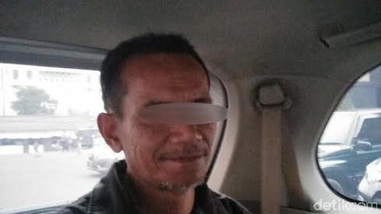 Peneror SMS ke Polresta Malang - Surabaya Pelaku teror SMS ke Polresta dinyatakan mengalami gangguan Skizofrenia Polda Jatim pun ingin menyerahkan ke anaknya tidak