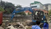 11 Bangunan di Pasar Baru Ditertibkan Sudin UMKM