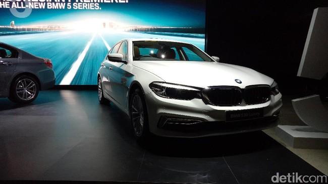Eloknya Sedan BMW Seri 5 Generasi Ketujuh