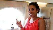 Foto Liburan Mewah Pengasuh Anak, Naik Jet Pribadi Hingga Keliling Dunia