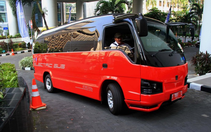 Deretan Mobil Listrik Karya Anak Negeri