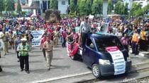 Sopir Taksi Solo Tunggu Ketegasan Pemerintah Atur Taksi Online
