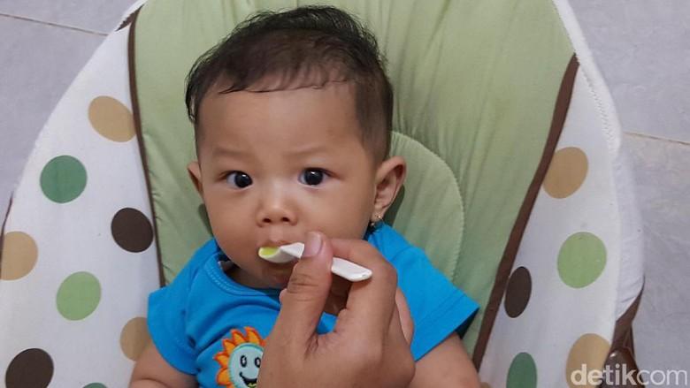 Ilustrasi anak makan/ Foto: Nurvita Indarini