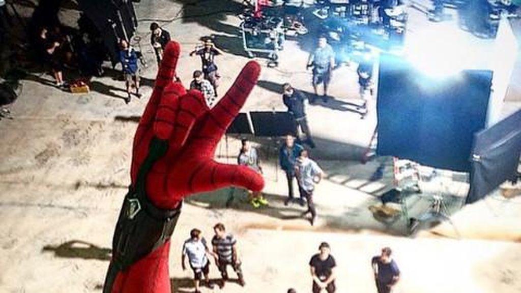 Mengintip Aksi Spider-Man di Balik Layar