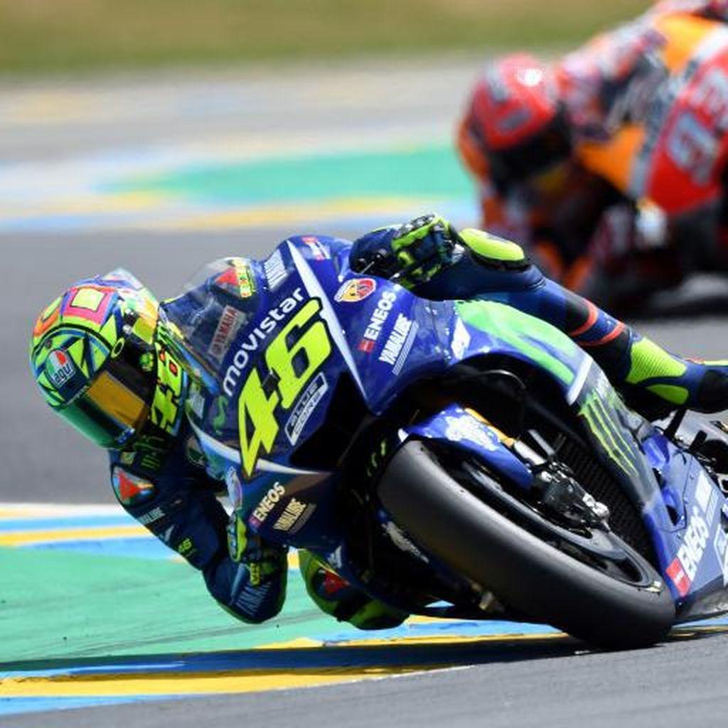 Rossi Komentari Sukses Marquez ke Puncak Klasemen