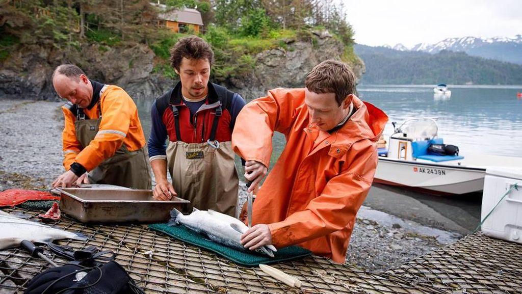 Zuckerberg Kembali Blusukan dan Jadi Nelayan