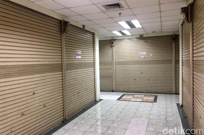 foto: Pasar Elektronik Glodok Ditinggal Pembeli