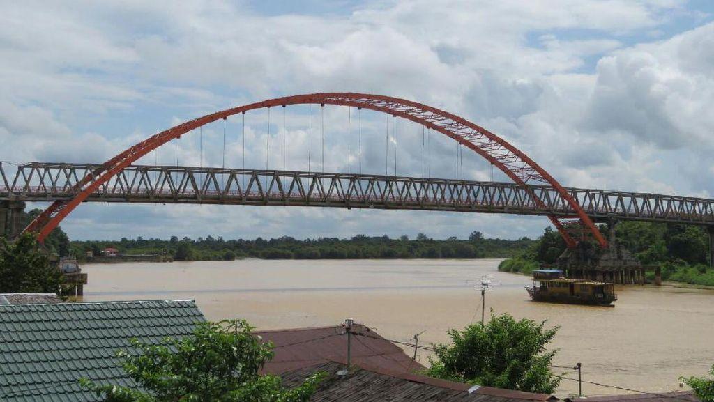Video Menelusuri Sungai di Palangka Raya, Calon Ibu Kota Baru